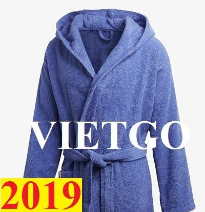 Thương nhân đến từ Ý cần nhập khẩu khẩu áo choàng tắm từ Việt Nam