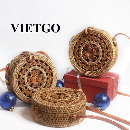 Opportunity to supply Rattan handbags for a Singaporean partner