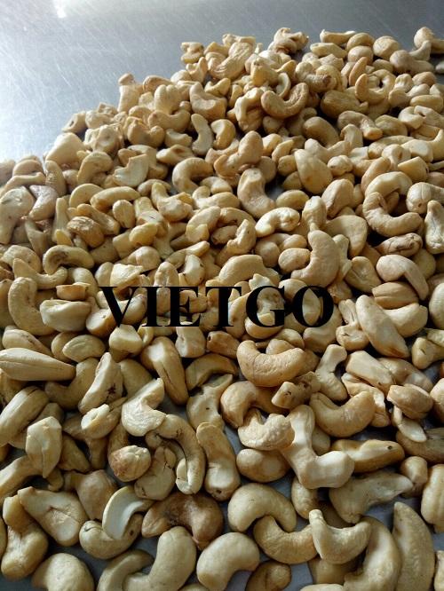 Một công ty thương mại tại Việt Nam đang cần tìm nhà cung cấp cho sản phẩm hạt điều số lượng lớn để xuất khẩu
